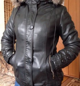 Продам кожаную куртку осень зима