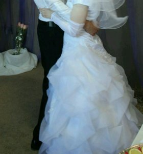 Белое  свадебное  платье.✉
