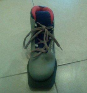 Лыжные ботинки детские (32 размер)