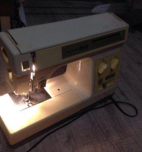 Швейная машинка Riccar