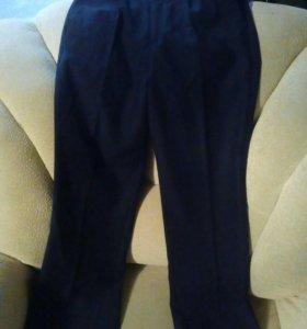 Продам новые школьные брюки