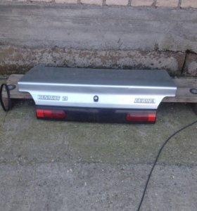 Крышка багажника Рено 19