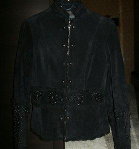 Курточка замшевая.
