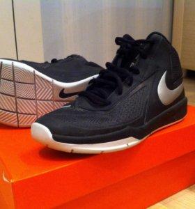 Баскетбольные кроссовки Nike Team Hustle D7 р.37