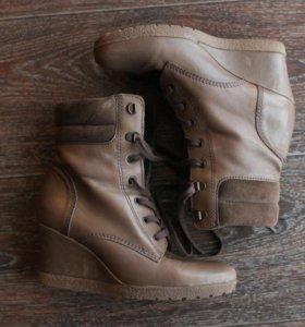 Осенние ботинки (сникерсы)