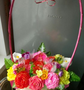Корзина цветов из мыла в подарок
