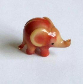Слон Стеклянный маленький