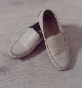 Туфли на мальчика р. 34