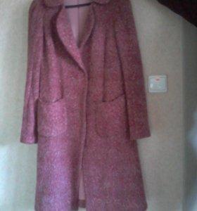Пальто вязаное и дубленка.