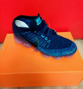 Кроссовки новые Nike.
