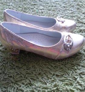Туфли для девочки,новые,не носили