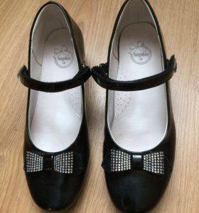 Туфли лакированные Капика