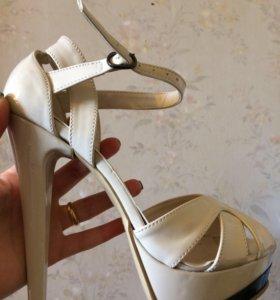 Туфли босоножки 38 р