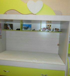 Продам двух-ярусную кровать с орто матрасами