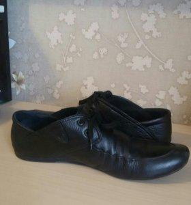 Мужские кожаные ботинки, р-р 43.