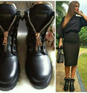 Новые модные стильные ботинки