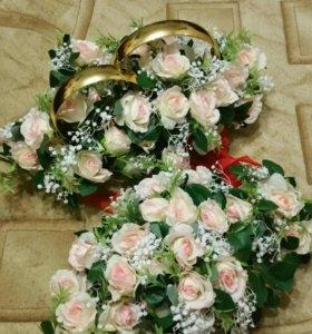 Украшение на свадебную машину:кольца+букет