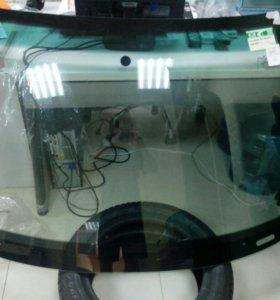 Лобовое стекло на Audi A4