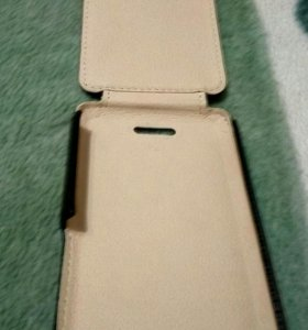 Кожаный чехол на Айфон5