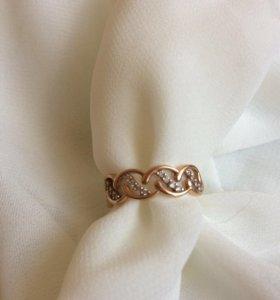 Кольцо золотое. Размер 15,5 проба 585