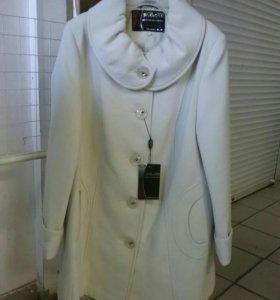Женское демисезонное пальто 50 размер