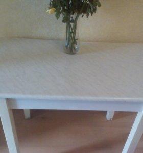 Стол обеденный для кухни