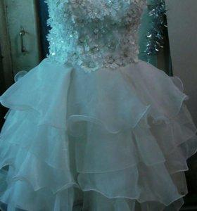 Продам новое свадебное короткое платье
