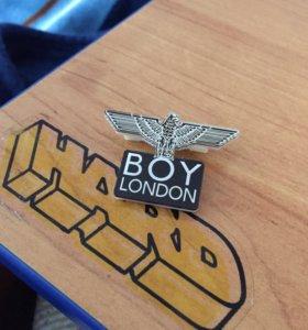 """Значок """"Boy London"""""""
