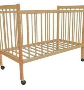 Детская кроватка на колесах