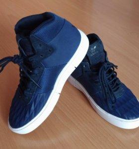 Кроссовки Adidas новые оригинальные размер 30