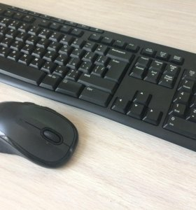 Комплект клавиатура и мышь от Logitech.