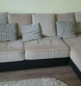 Угловой диван.