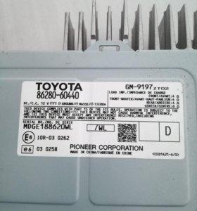 Усилитель звука на Toyota Land Cruiser Prado 150
