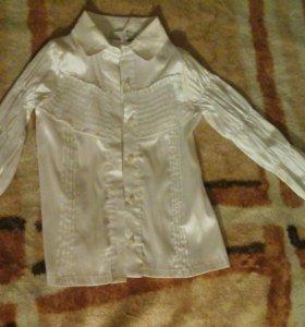 Блузка белая с жатыми руковами,новая