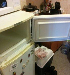 Холодильник. Б/у под ремонт