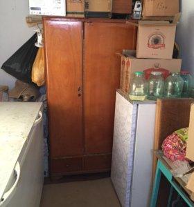 Продам старую мебель не дорого