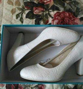 Туфли новые (кожа)