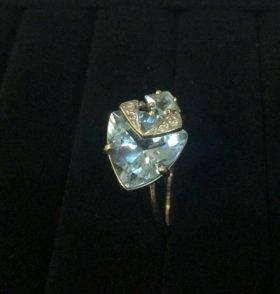 Кольцо из белого золота с Топазом 4,37 гр 585 пр