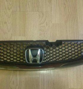 Решотка радиатора Honda Accord