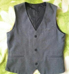 Форма школьная (брюки и жилетка)
