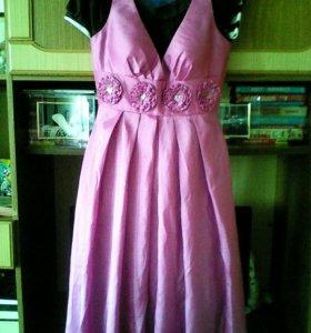 Красивое платье 40-42р