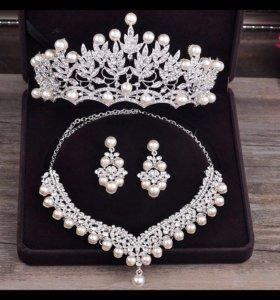 Диадема,ожерелье , серьги, жемчуг