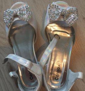 Обувь детская новая