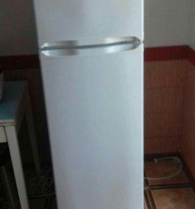 Холодильник Саратов.Не рабочий