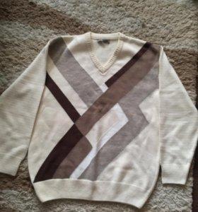 Пуловер новый