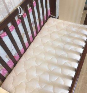 Детская кроватка и комод Micuna