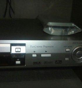 DVD плеер Pioneer DV-366.
