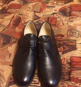 Туфли на мальчика,новые,размер 36