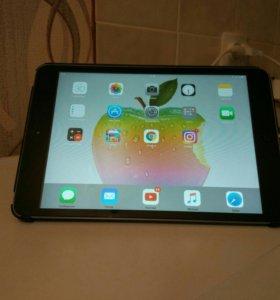 Продаю Ipad Mini 16gb на 4+