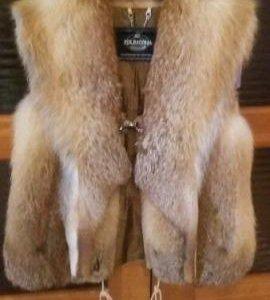 Меховой жилет лиса